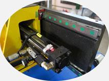 Автоматический трубогиб с ЧПУ | 38-TBRE | Линейные направляющие на основные движения станка.